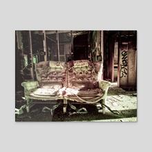 Miscomfort - Acrylic by Dan Suth